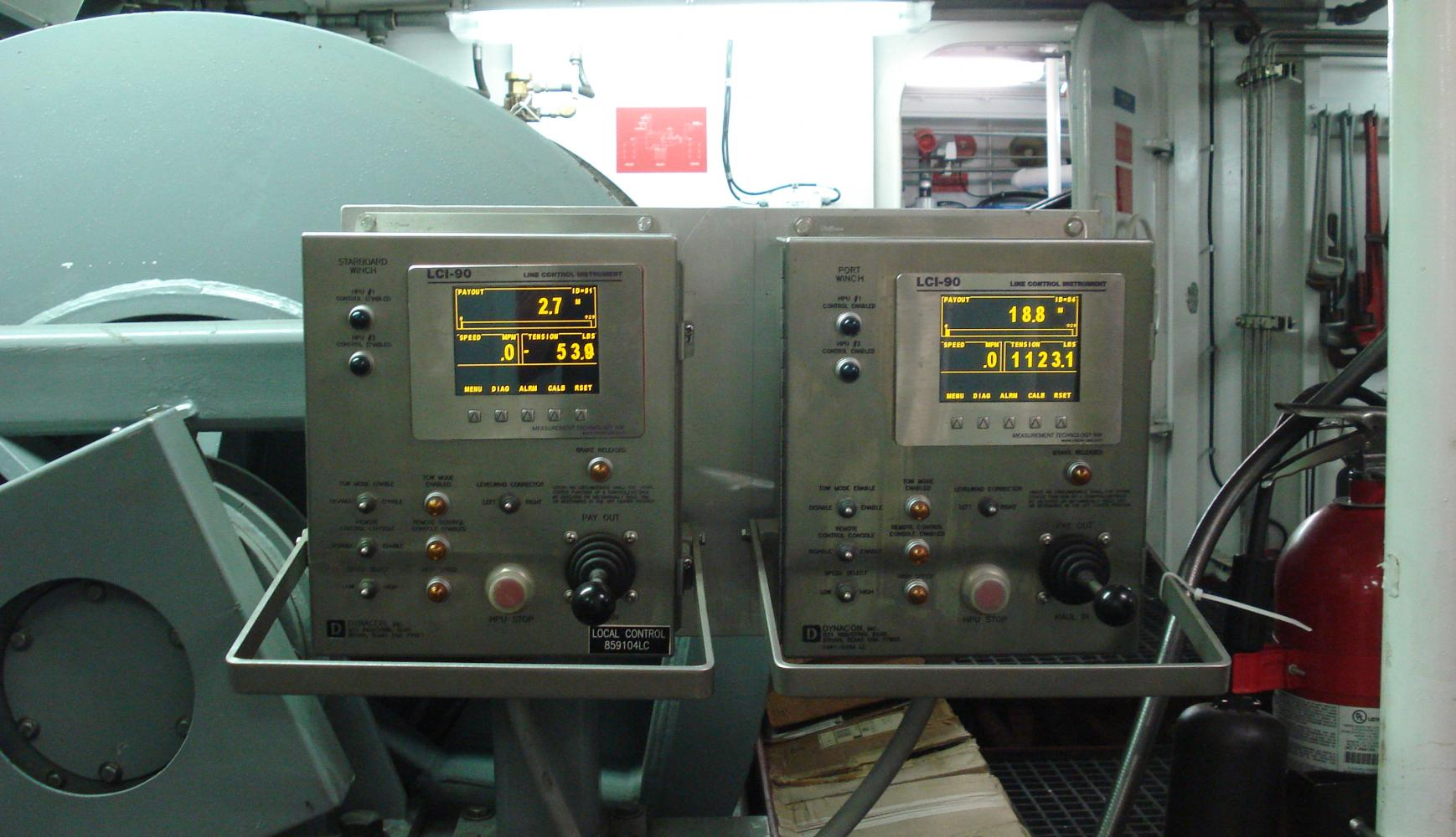 Port & Stbd Trawl Local LCI-90i Displays