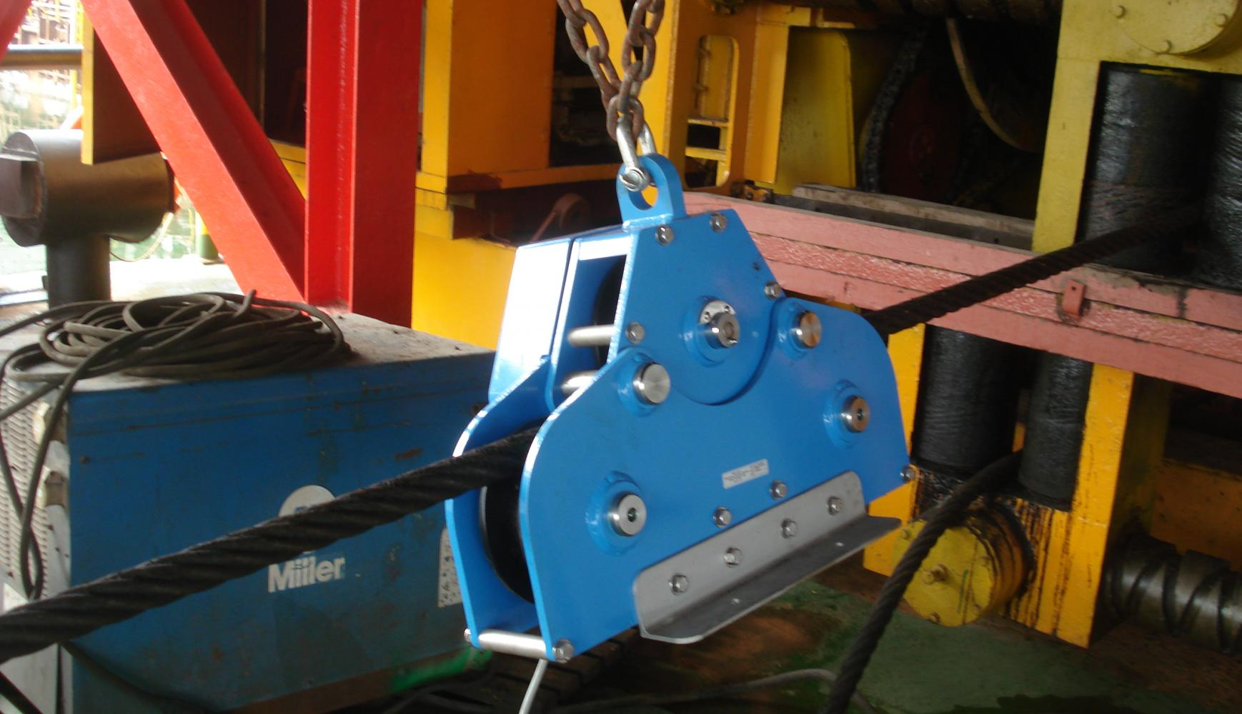 Line Rider for Pipelay Barge, instrumented tension meter,